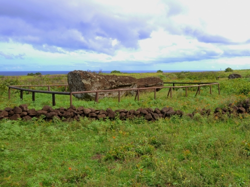 moai renversés ile de paques_04.JPG
