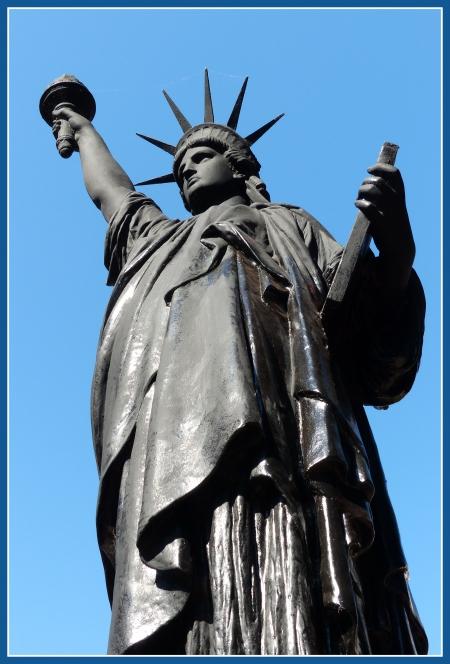 statue de la liberte buenos aires 1.JPG