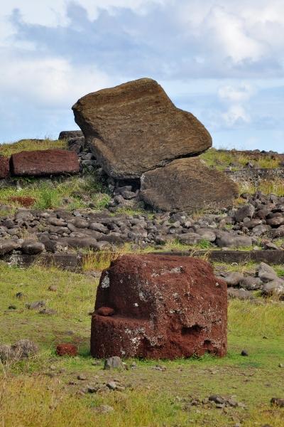moai renversés ile de paques_06.JPG