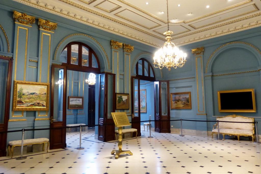 La casa rosada palais de la pr sidence pat l 39 expat for 90 degrees salon