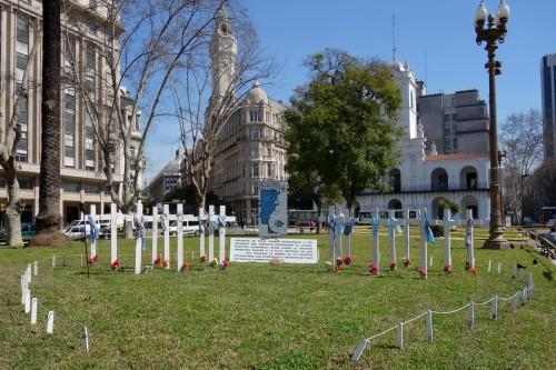 plaza mayo.JPG
