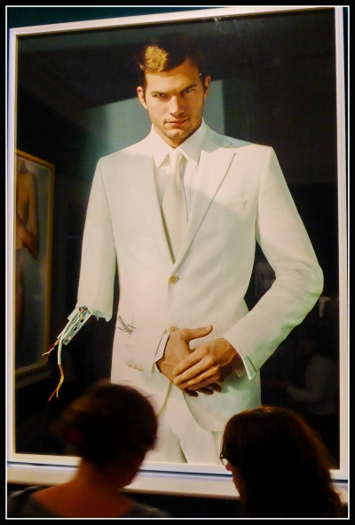 11) Ashton Kutcher testino.JPG