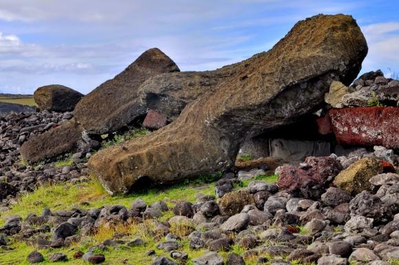 moai renversés ile de paques_10.JPG