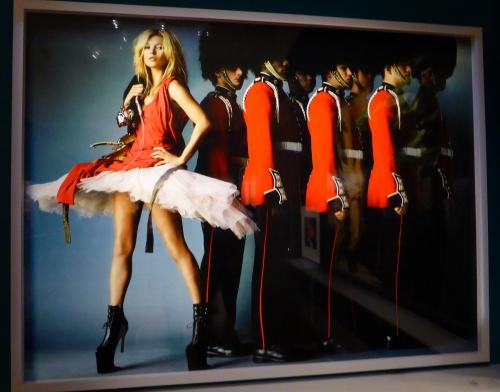 12) Kate Moss testino.JPG